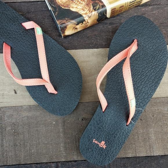 033531432f63 New SANUK Yoga Spree 4 Flip Flop Sandals. M 5c3907186a0bb71031873713